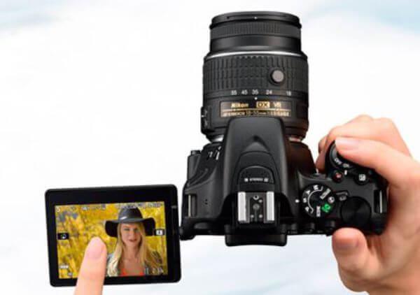 Rekomendasi Kamera DSLR Layar Sentuh D5500